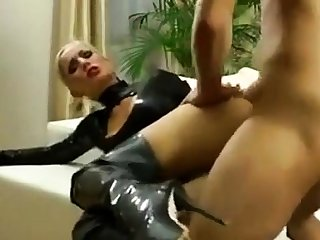 Blonde latex bungler fucked