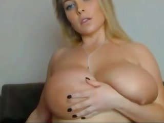 Chubby girl fucking herself with dildo live on webcam