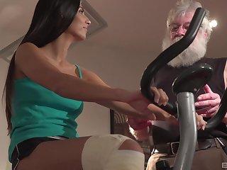 Brunette Angela Allisone gets her pussy protected wide of an older lady's man
