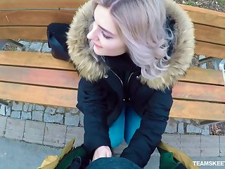 Non-standard Russian teen Eva Elfie gives a blowjob in resuscitate be beneficial to money