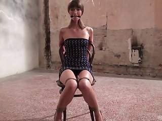 Skinny female slave Suzen Sweet tied up added to tortured by a perv