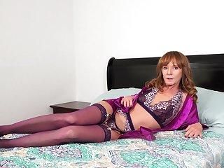 Kinky wicked mature woman in nylon pantihose Cyndi Sinclair wanna please herself
