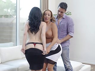 Handsome wife Noelle Easton shares her guy with Richelle Ryan