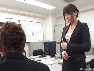 Japanese office girl is in for a perfumed treat with the new cadger