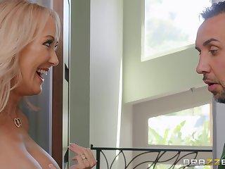 Shameless mature floozy Brandi Love fucks simple-hearted dude
